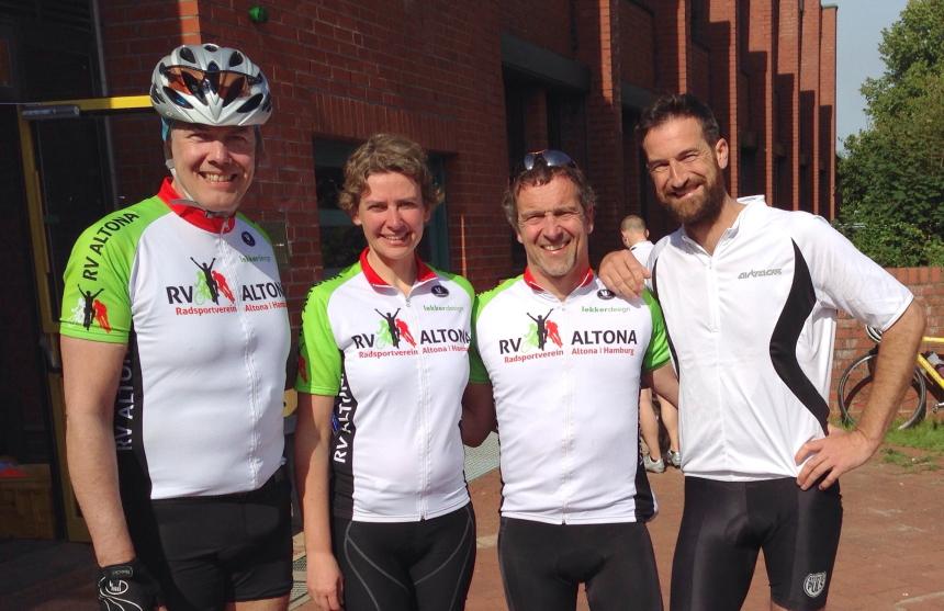 Sie haben die große Runde mit 160 km gepackt: Michael, Birgit, Holger und Gast Richard